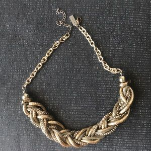 The Limited Gold Twist Necklace